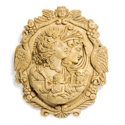 Erhabene Gottheiten - Wundervoll detailreiche Kamee aus Vesuvlava, um 1870. Photo © 2018 Hofer Antikschmuck Berlin