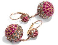 Glitzernde Kugeln - Große moderne Rubin & Diamant Ohrringe in Rotgold, Italien nach 2000. Photo © 2018 Hofer Antikschmuck Berlin