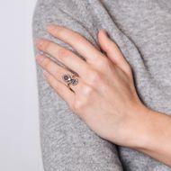 Indische Leidenschaften - Ausdrucksstarker vintage Rubin & Diamant Ring in Gold & Silber, um 1990. Photo © 2018 Hofer Antikschmuck Berlin