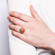 Rosso Corallo per me - Prachtvoller Vintage-Ring mit Koralle, um 1955. Photo © 2018 Hofer Antikschmuck Berlin