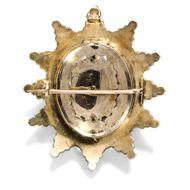 Ein Collier mit Geheimnis - Ungewöhnliches Granatcollier mit Medaillonbrosche, um 1865. Photo © 2019 Hofer Antikschmuck Berlin