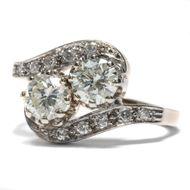 """""""Du und ich"""" in Diamant - Prachtvoller Diamant-Ring mit reicher Ausstattung, um 1930. Photo © 2018 Hofer Antikschmuck Berlin"""