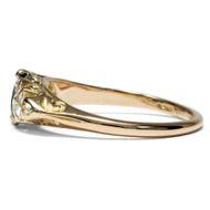 Klassische Kombination - Viktorianischer Gold-Ring mit Saphir & Diamanten, 1880er Jahre. Photo © 2018 Hofer Antikschmuck Berlin