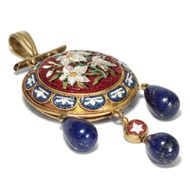 Sommer am Tiber - Antike Demi-Parure, Ohrringe & Anhänger in Mikromosaik, Gold & Lapis Lazuli, 1860er Jahre. Photo © 2018 Hofer Antikschmuck Berlin
