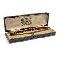 Mit doppeltem Nutzen - Große Diamant- & Granat-Haarspange & Brosche aus Gold, um 1890. Photo © 2019 Hofer Antikschmuck Berlin