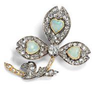 Leben im Klee - Antike Liebes-Brosche mit Herzen aus Opal in Gold & Diamant, Großbritannien um 1890. Photo © 2019 Hofer Antikschmuck Berlin