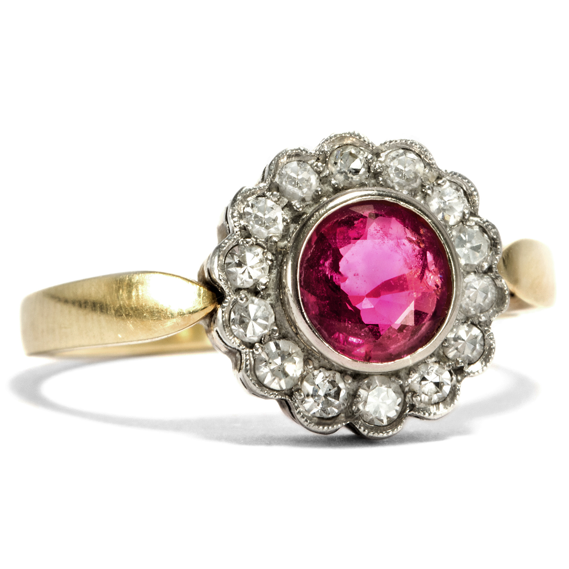 Vintage ruby ring with diamond entourage 585 gold for Ruby berlin