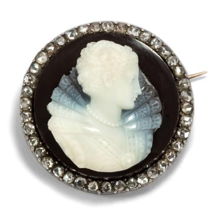 Maria Stuart - Antike Brosche mit exquisitem Achat-Cameo & Diamantrosen in Gold, Wien um 1875. Photo © 2018 Hofer Antikschmuck Berlin
