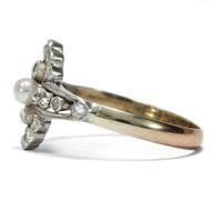 Der Liebe zarter Kuss - Zarter antiker Ring mit Perle & Diamanten im Rosenschliff, um 1910. Photo © 2018 Hofer Antikschmuck Berlin