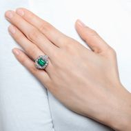 Green Glow - Erstklassiger Platinring mit 2,42 ct Smaragd & Diamanten, Portugal um 1930. Photo © 2018 Hofer Antikschmuck Berlin