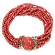 Um 1830: Armband mit Gemme aus Koralle Gold, Göttin Flora Gemme / Coral Cameo