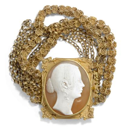 Portrait of a Queen - Wundervolles Gold-Armband mit Kamee der Königin Victoria, um 1840. Photo © 2018 Hofer Antikschmuck Berlin