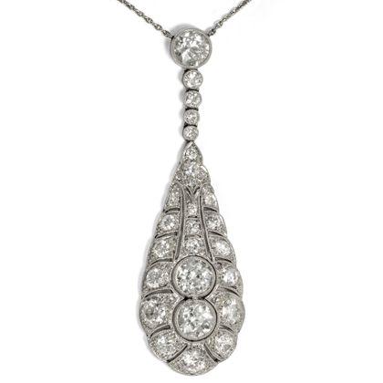 Großer Tropfen aus Licht - Umwerfendes Art Déco Diamant-Collier aus Platin, um 1920. Photo © 2018 Hofer Antikschmuck Berlin