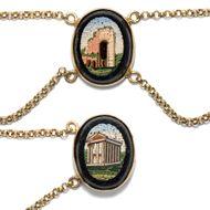Zeugen der Antike - Wunderbares Collier mit acht Mikromosaiken mit Ansichten Roms in Gold, um 1860. Photo © 2019 Hofer Antikschmuck Berlin