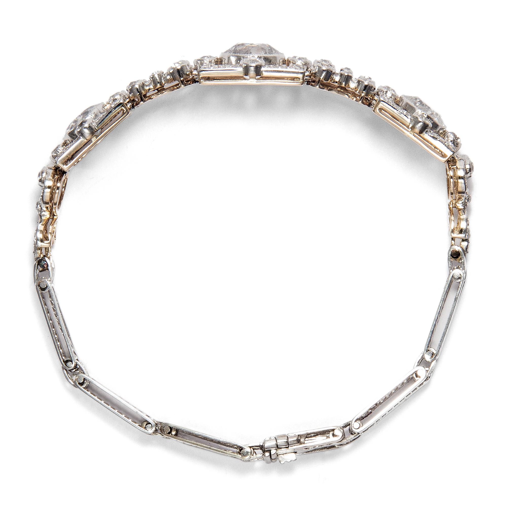 7edcf23fef83 Quadratur des Kreises - Prachtvolles Brillant Armband in Platin   Gold,  London um 1910.