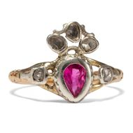 Dein ist mein ganzes Herz - Antiker Ring mit Diamantrosen und Rubin, Flammendes Herz, um 1750/1950. Photo © 2019 Hofer Antikschmuck Berlin