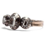 Sanfter Glanz im Kerzenschein - Anmutiger Diamant–Ring des 18. Jahrhunderts in Silber & Gold. Photo © 2018 Hofer Antikschmuck Berlin