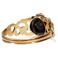 Mehr als Freundschaft - Romantischer englischer Gold-Ring mit Rubin & echten Perlen, um 1825. Photo © 2019 Hofer Antikschmuck Berlin