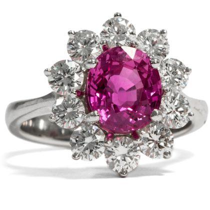 Pink Escapade - Kostbarer Weißgold-Ring mit pinkfarbenem Saphir & Diamanten, um 1970. Photo © 2019 Hofer Antikschmuck Berlin