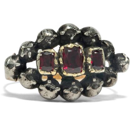 Georgian Garnets - Hübscher Ring mit Granaten & Diamanten in Silber & Gold, Großbritannien um 1780. Photo © 2019 Hofer Antikschmuck Berlin