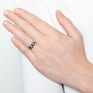 Treueschwur aus Edelsteinen - Antiker viktorianischer Gypsy-Ring mit Saphir & Diamanten, datiert 1896. Photo © 2018 Hofer Antikschmuck Berlin