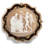 Erato & Amor: Antike Brosche Gemme in 333er 8ct Gold, um 1860 / Victorian Cameo