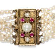 Die Juwelen der Venus - Zartes Armband aus Naturperlen mit Goldschließe, um 1820. Photo © 2019 Hofer Antikschmuck Berlin