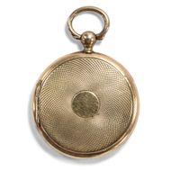 Zeit ist Gold - Antiker Medaillon-Anhänger in Form einer Taschenuhr, um 1900. Photo © 2019 Hofer Antikschmuck Berlin