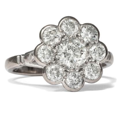 White Daisy - Bezaubernder vintage Blüten-Ring mit 1,59 ct Brillanten in Weißgold, London 2001. Photo © 2019 Hofer Antikschmuck Berlin