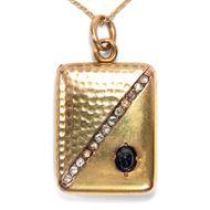 Toujours dans mon coeur - Kostbarer Medaillon-Anhänger mit Saphir & Diamanten in Gold, Frankreich um 1895. Photo © 2019 Hofer Antikschmuck Berlin
