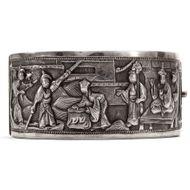 Fernöstliche Legenden - Mythologischer Silber Armreif von Wang Hing, Kanton, China um 1900. Photo © 2019 Hofer Antikschmuck Berlin