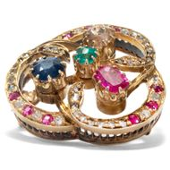 Die Farben der Liebe - Romantische Brosche mit Saphir, Smaragd, Rubinen & Diamanten in Gold, um 1890. Photo © 2019 Hofer Antikschmuck Berlin