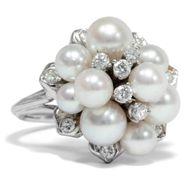 Diamonds and Pearls - Wundervoller Cluster-Ring mit Perlen & lupenreinen Diamanten, Düsseldorf um 1975. Photo © 2019 Hofer Antikschmuck Berlin